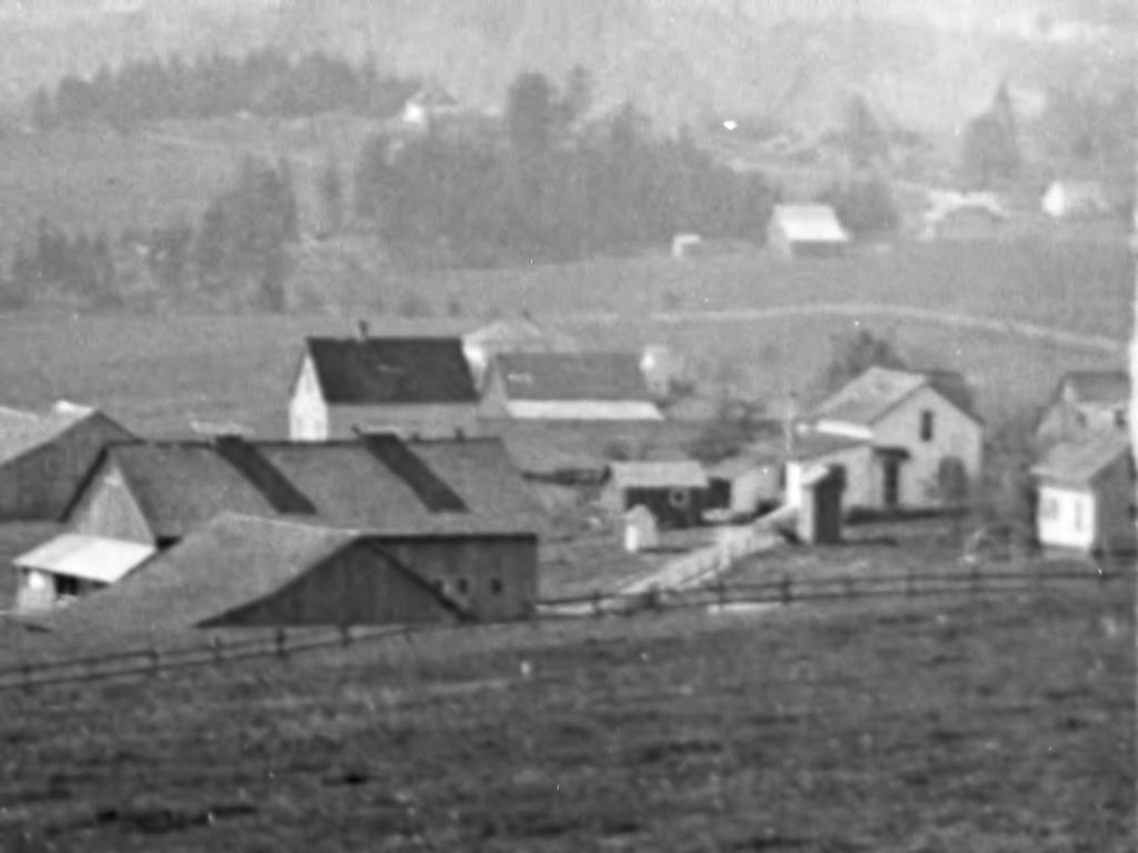 Multnoman (Tannler) Dairy Farm, ca. 1915.