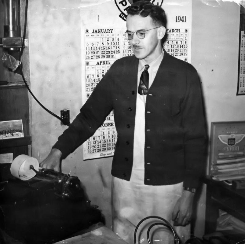 Floyd Weatherly, 1940