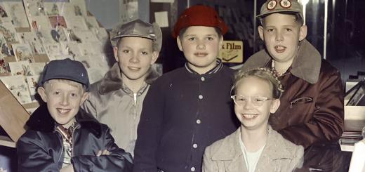 Multnomah Children in Multnomah Drug Store ca. 1960.